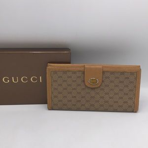 Authentic Vintage Gucci GG Monogram Wallet